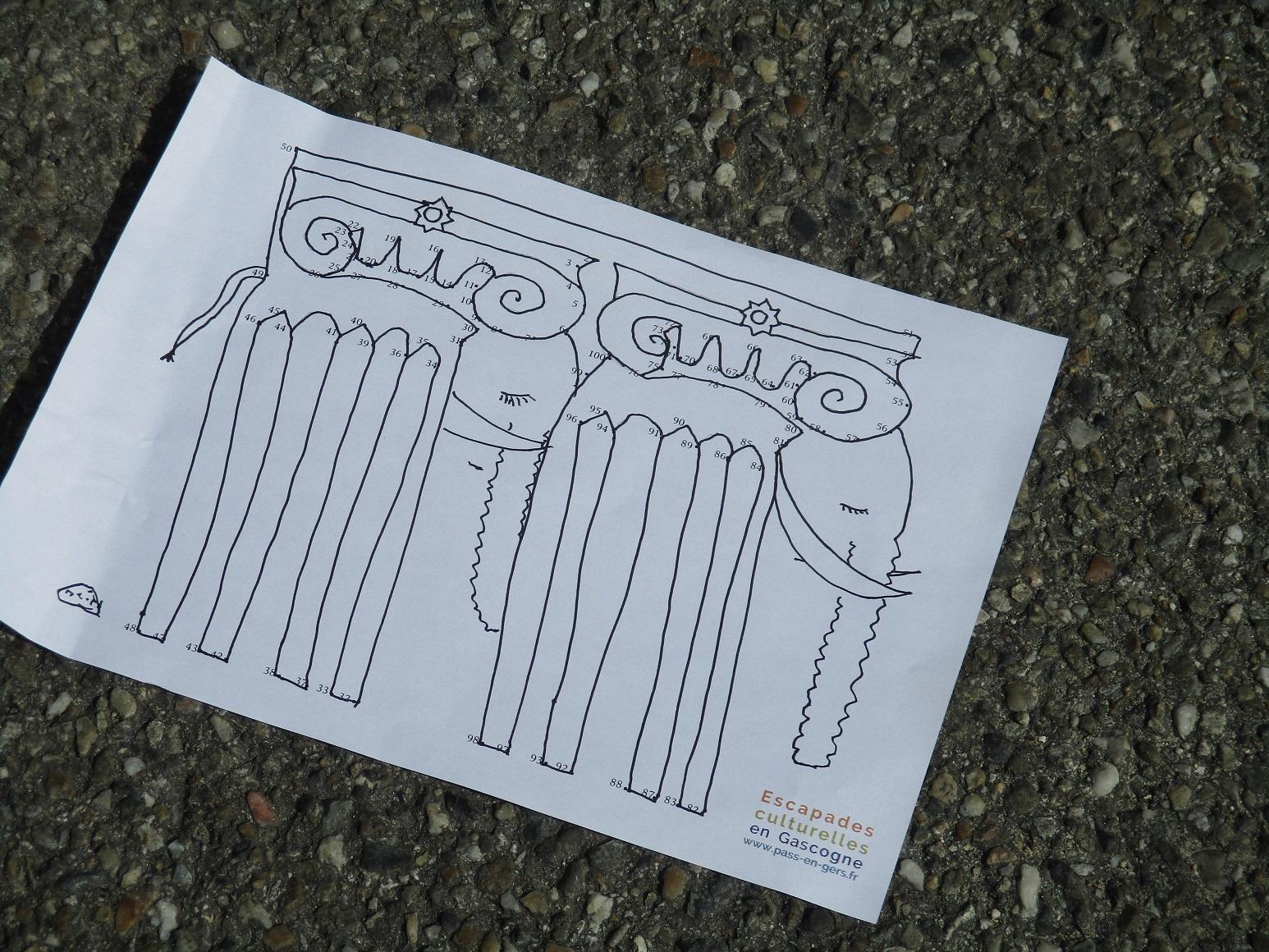 Réinterprétation des colonnes corinthiennes de l'hôtel de Polignac à Condom en éléphants.